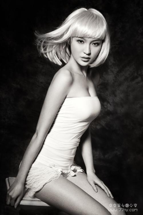 身材极品棒的美女图片