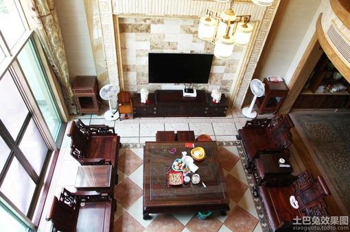 别墅挑高客厅装饰电视墙效果图