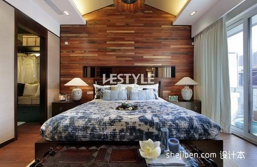 中式主卧室木地板装修效果图