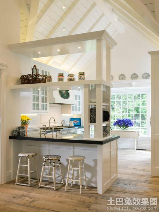 斜顶厨房隔断装修效果图