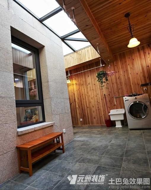 别墅封闭式生活阳台装修效果图