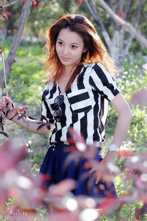 气质黑丝美女高清壁纸苹果iphone4s图片640