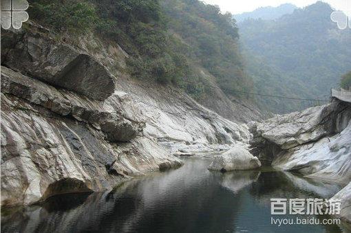 燕子河大峡谷风景美图
