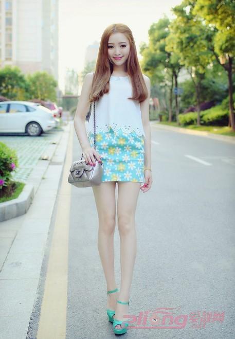 小女生甜美夏季穿衣打扮吸睛靓搭