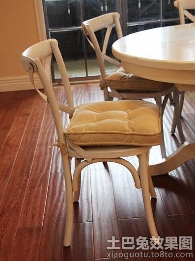 白色欧式餐桌椅图片