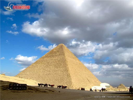 埃及胡夫金字塔图片素材