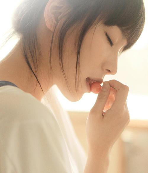 小清新美女:青春的侧脸