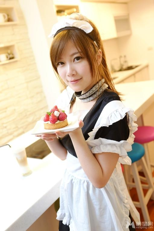 可爱美女女仆装清新美食写真(1)