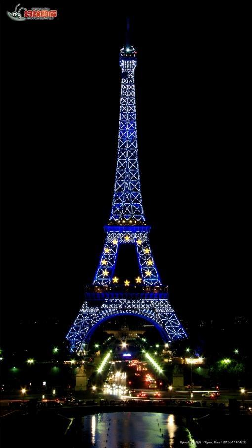 巴黎艾菲尔铁塔夜景图片素材