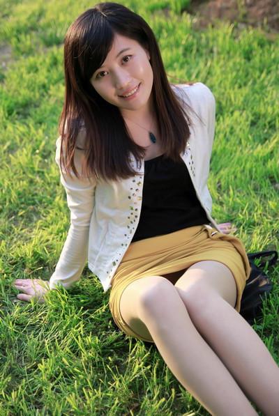 短裙气质美女 图片 hao123导航