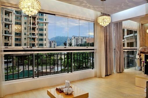 现代风格室内休闲阳台窗户装修效果图