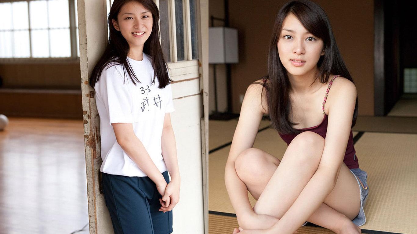 美女桌面壁纸_日本清纯学生妹武井咲可爱写真壁纸_第2