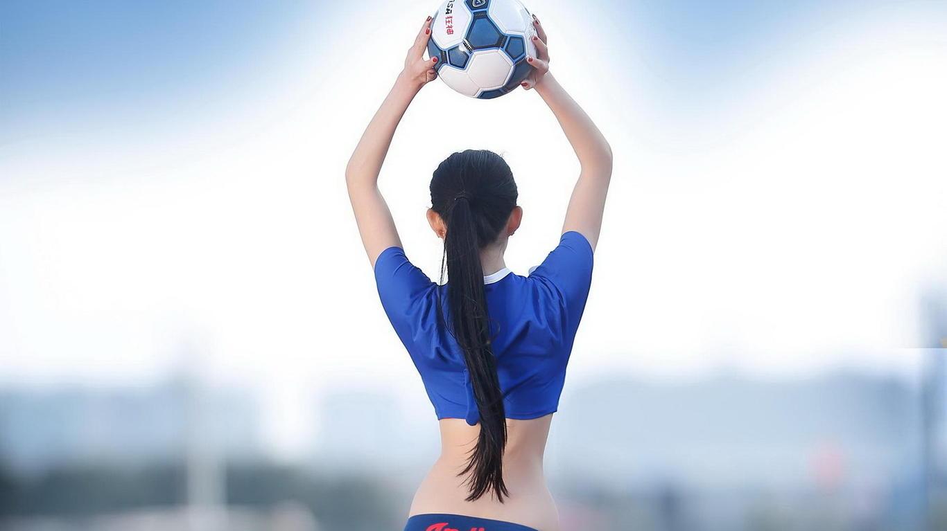 2014年世界杯足球宝贝高清壁纸